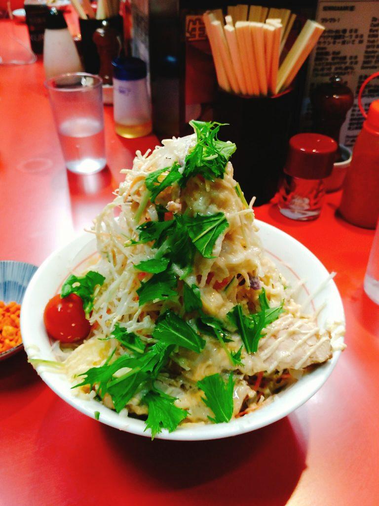 野菜、ニンニク、アブラ、ガリマヨ、辛揚げ別皿 側面