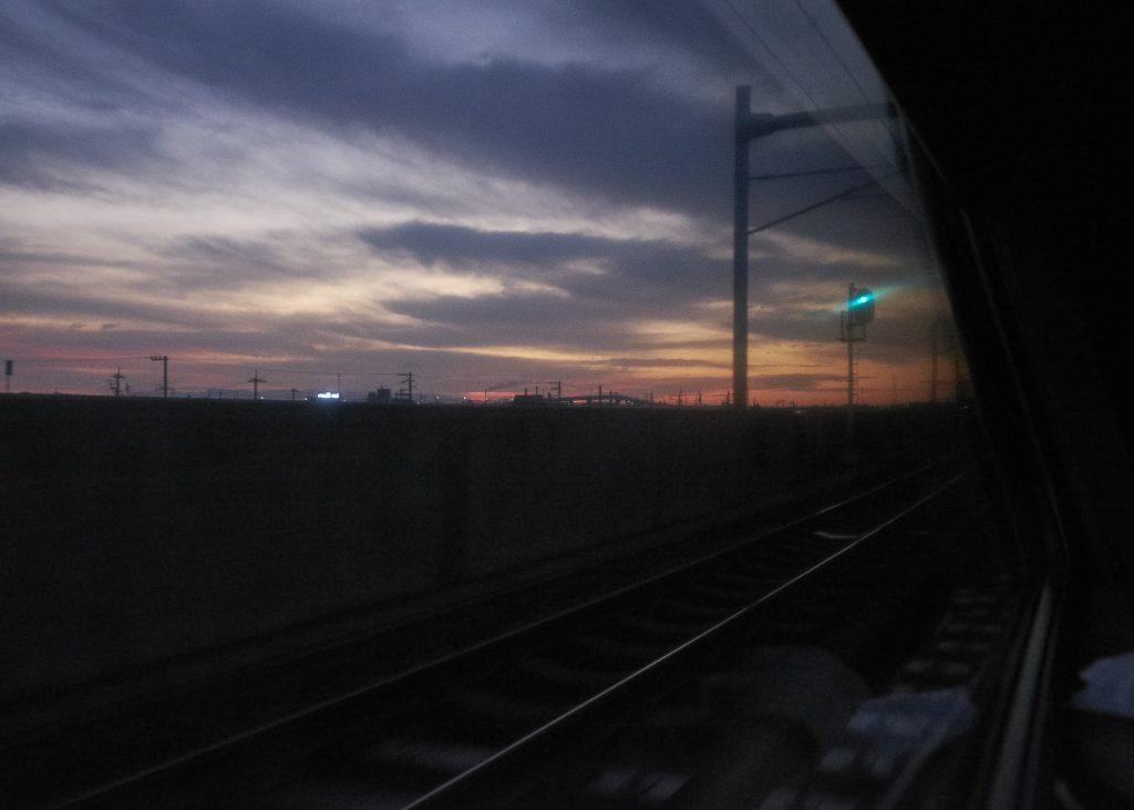 サンライズ出雲夜明け